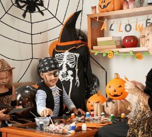 39 DIY Halloween Craft Ideas You'll Love (So Easy To Make)